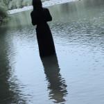 Donna nel lago